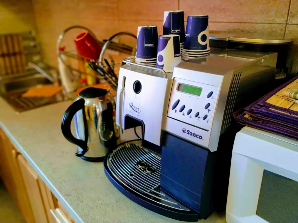 venesis-house-sighisoara-kitchen-coffee-machine-free-coffee