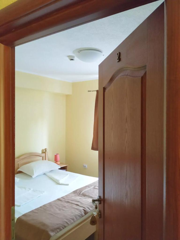 venesis-house-sighisoara-room-no-2-room-entrance