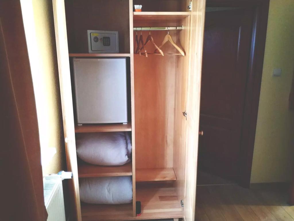 venesis-house-sighisoara-room-no-2-wardrobe-minibar-safe