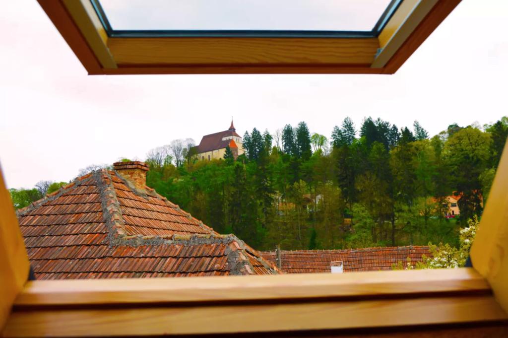 venesis-house-sighisoara-room-no-9-church-hill-view